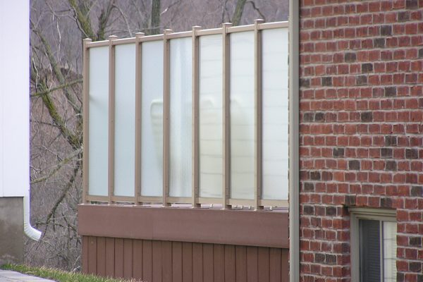 """72""""RH Privacy Wall in WeatherRail Tan with Acid Etched Glass"""